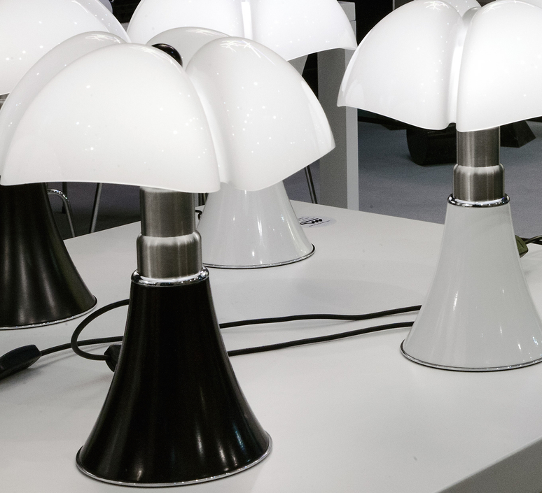 Minipipistrello gae aulenti martinelli luce 620 j t ma luminaire lighting design signed 15595 product