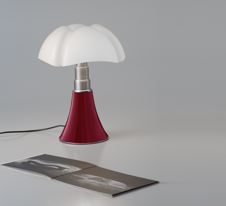 lampe poser mini pipistrello tactile led rouge h35cm martinelli luce luminaires nedgis. Black Bedroom Furniture Sets. Home Design Ideas