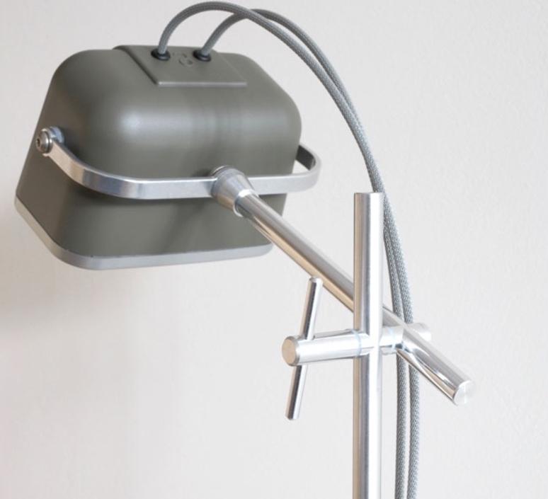 Mob studio swabdesign lampe a poser table lamp  swabdesign mob 11gr32  design signed 44029 product