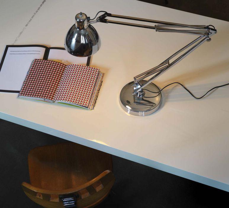 Naska 1 historical archive fontana arte lampe a poser table lamp  fontanaarte 8020cr 8100cr   design signed 39340 product