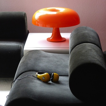 Lampe a poser nesso orange o54cm h34cm artemide normal