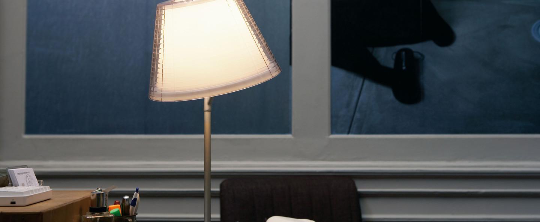 Lampe a poser nolita transparent h50cm marset normal