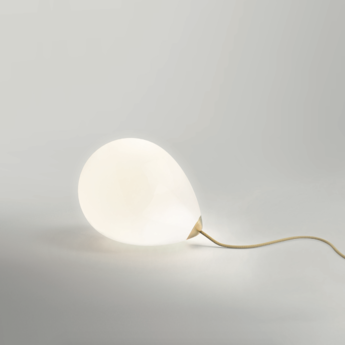 Lampe a poser on my mind blanc et laiton l27cm h23cm anastassiades studio normal