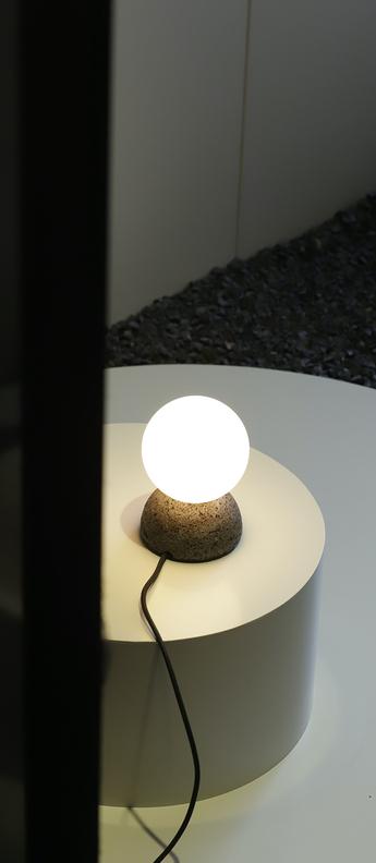 Lampe a poser origo noir l10cm h14 5cm david pompa normal