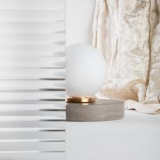 Pallina gio ponti lampe a poser table lamp  fontanaarte f443000150 ne laiton  design signed nedgis 79115 thumb