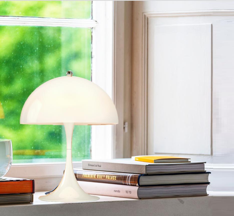 Lampe à Poser, Panthella Mini, Blanc, LED, Ø25cm, H33,5cm   LOUIS POULSEN    Luminaires Nedgis