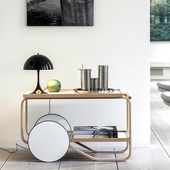lampe poser panthella mini noir led 25cm h33 5cm louis poulsen luminaires nedgis. Black Bedroom Furniture Sets. Home Design Ideas