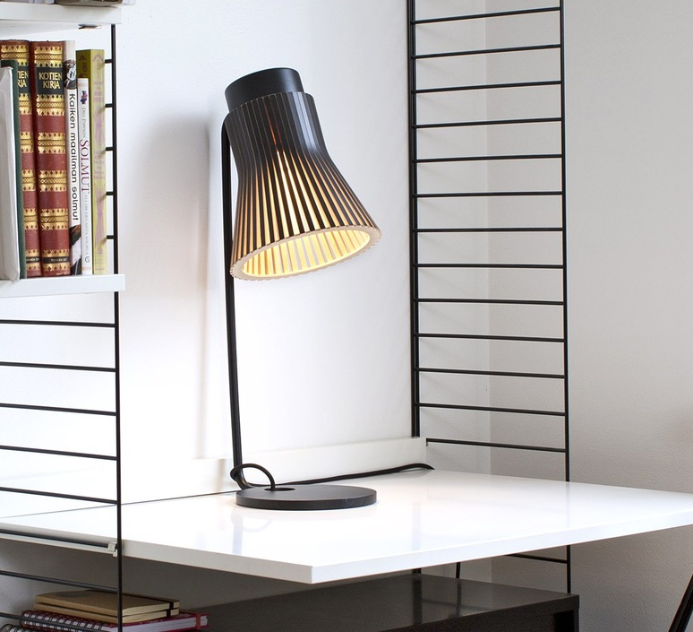 Petite 4620 seppo koho lampe a poser table lamp  secto design 16 4620 21  design signed 41916 product