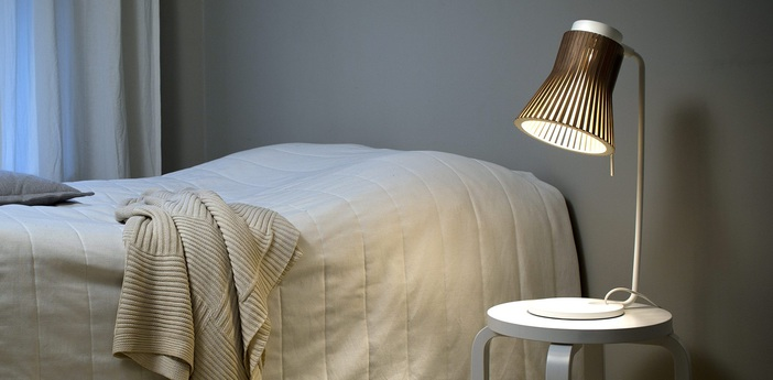 Lampe a poser petite 4620 noyer marron led o20cm h56cm secto design normal