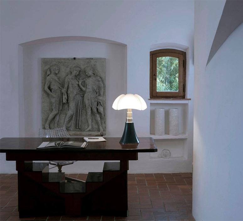 Pipistrello gae aulenti lampe a poser table lamp  martinelli luce 620 ve  design signed nedgis 121091 product