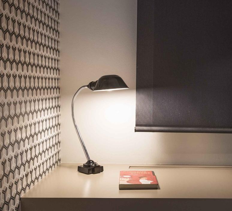 Remake estudi ribaudi lampe a poser table lamp  faro 50121  design signed 48779 product