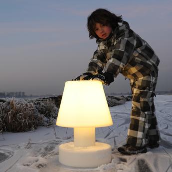 lampe poser portable lamp battery blanc h28cm bloom. Black Bedroom Furniture Sets. Home Design Ideas