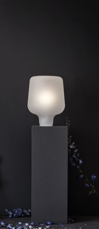 Lampe a poser say my name blanc mat o32cm h42cm northern normal