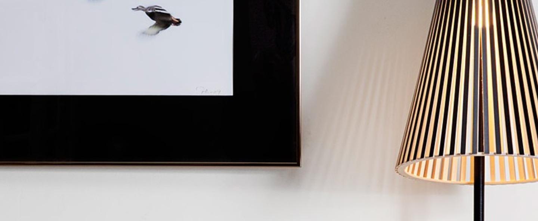 Lampe a poser secto 4220 noir stratifie led l25cm h75cm secto design normal