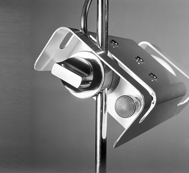 Spider joe colombo oluce 291 blanc luminaire lighting design signed 22438 product