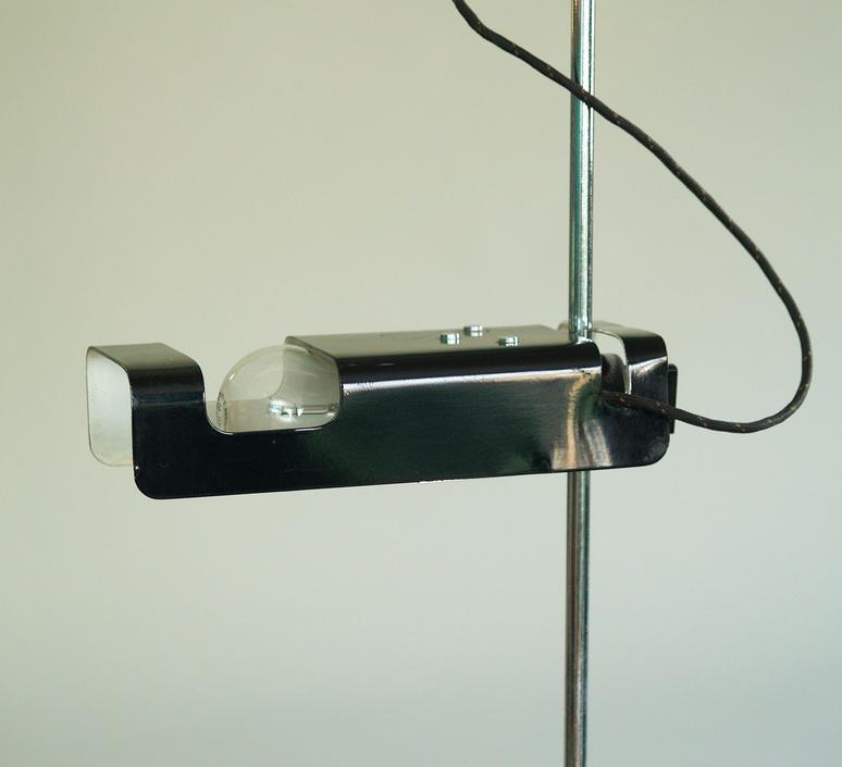 Spider joe colombo oluce 291 noir luminaire lighting design signed 22448 product