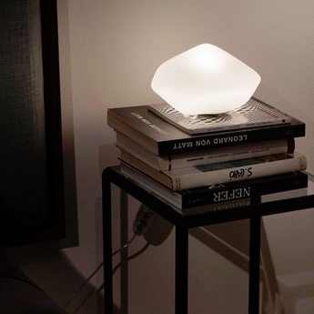 Lampe a poser stone of glass blanc opalin o22cm oluce normal
