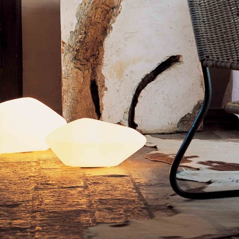 Lampe a poser stone of glass blanc opalin o33cm oluce normal