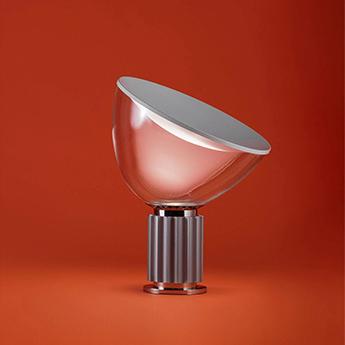 Lampe a poser taccia argent anodise led 2700k 1400lm o49 5cm h64 5cm flos normal