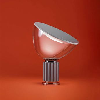 Lampe a poser taccia pmma argent anodise led 2700k 1400lm o49 5cm h64 5cm flos normal