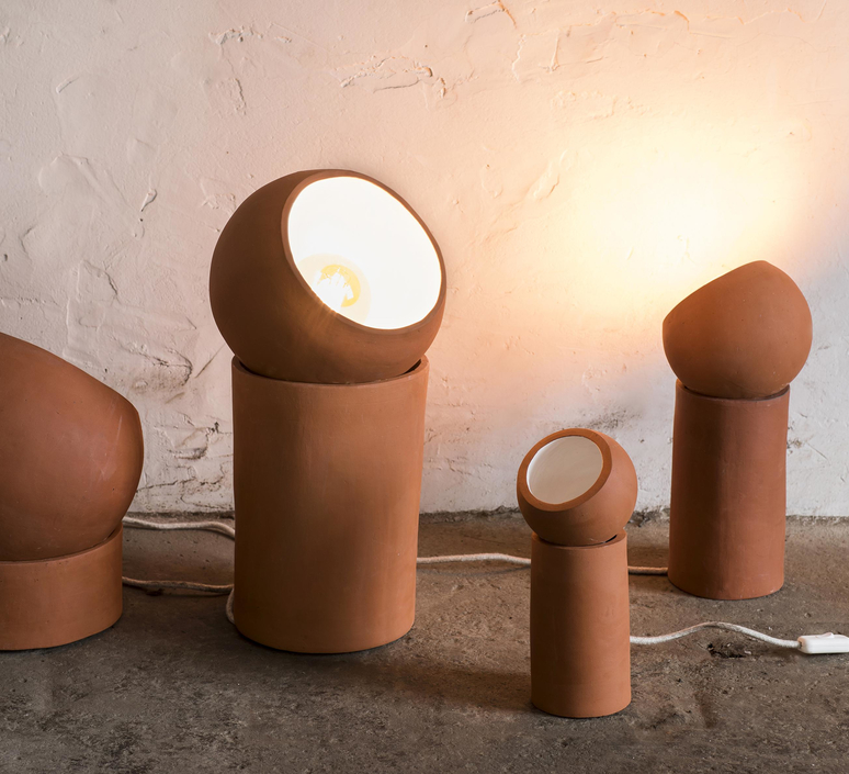 Terra light s lauren van driessche lampe a poser table lamp  serax b7218001  design signed 59828 product