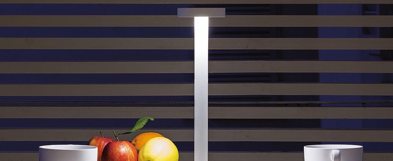 Lampe a poser tetatet blanc mat led 2700k 178lm o9cm h34 5cm davide groppi normal