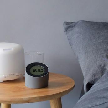 Lampe a poser the edge light alarm clock matt grey o8cm h9 5cm gingko normal
