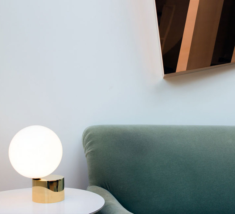 Tip of the tongue michael anastassiades lampe a poser table lamp  anastassiades ma totpb  design signed 39684 product