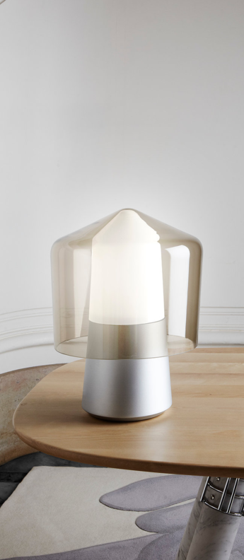 Lampe a poser tip top aluminium verre fume o30cm h40cm la chance normal