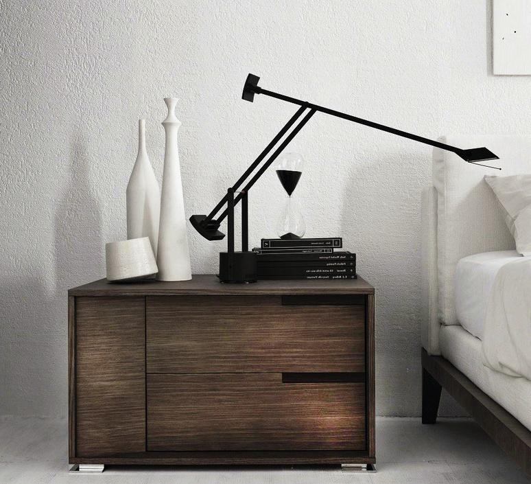lampe poser tizio led dimmable noir h66cm l78cm artemide luminaires nedgis. Black Bedroom Furniture Sets. Home Design Ideas
