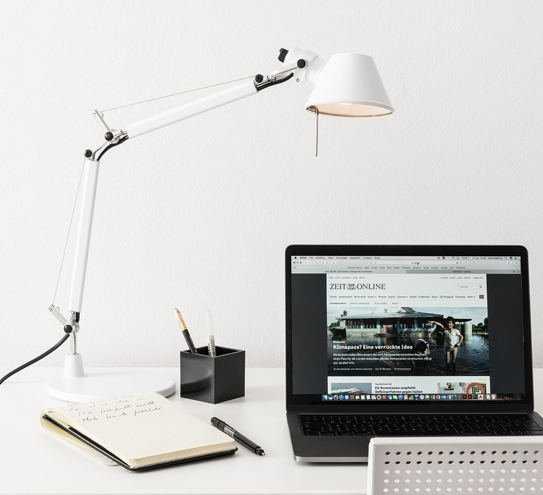 Tolomeo micro table michele de lucchi lampe a poser table lamp  artemide 0011820a  design signed nedgis 104458 product