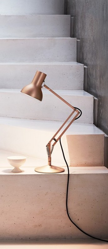 Lampe a poser type 75 mini metallic cuivre led o13cm h50cm anglepoise normal