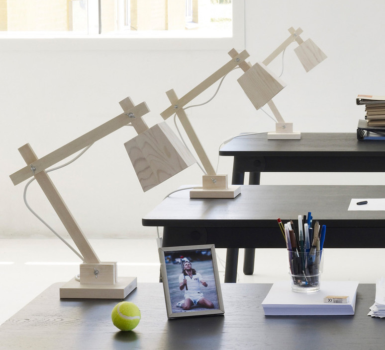 Wood taf architects lampe a poser table lamp  muuto 07075  design signed 48347 product