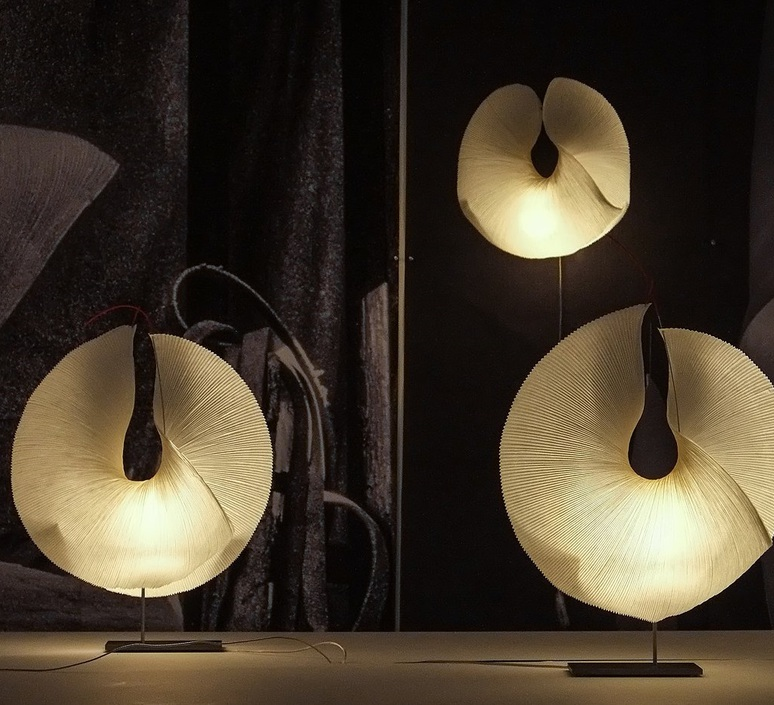 Yoruba rose ingo maurer lampe a poser table lamp  ingo maurer 2922000  design signed nedgis 65270 product