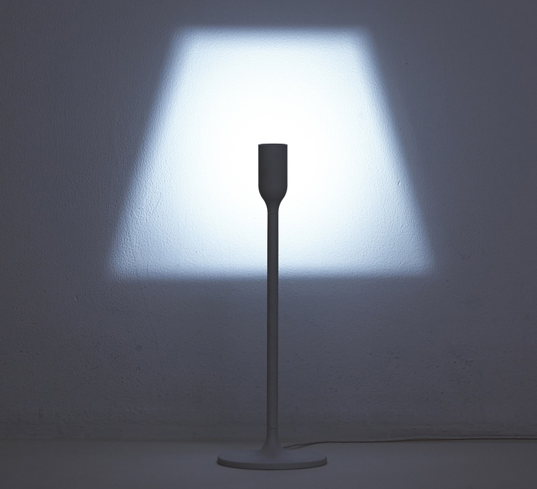 ... Lampe a poser yoylight blanc h35cm innermost. Yoylight studio yoy  innermost ly012201 luminaire lighting design signed 18976 product 2ede54ed54b5