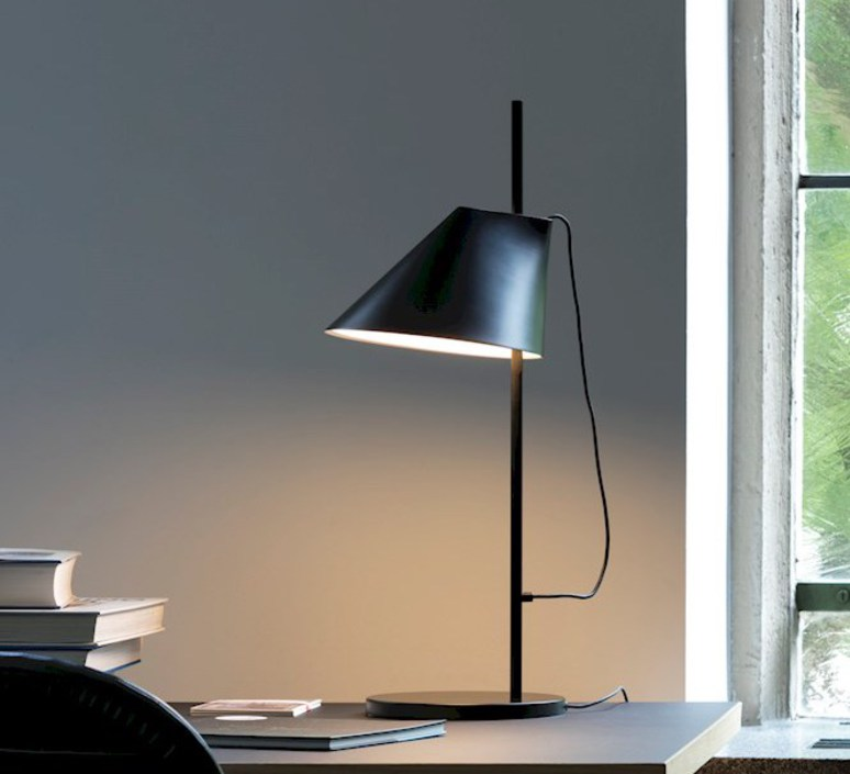 Yuh gamfratesi lampe a poser table lamp  louis poulsen 5744612555  design signed 49034 product