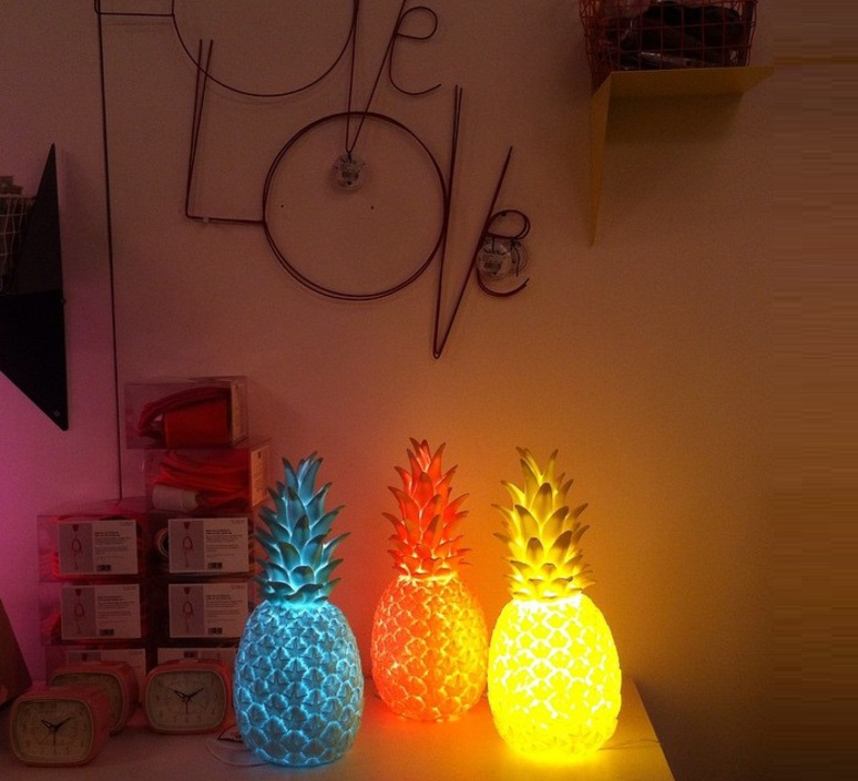 lampe ananas pina colada rouge fluo h32cm goodnight light luminaires nedgis. Black Bedroom Furniture Sets. Home Design Ideas