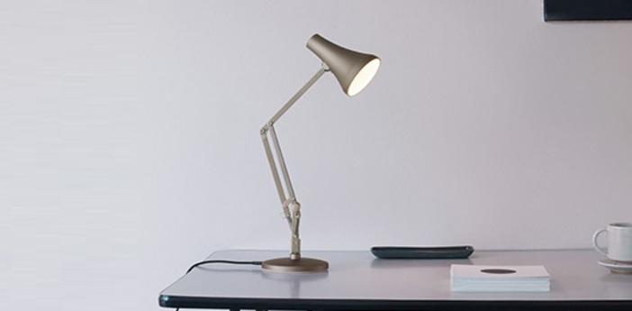 Lampe de bureau 90 mini mini blush argente led 3000k 470lm l18cm h52cm anglepoise normal