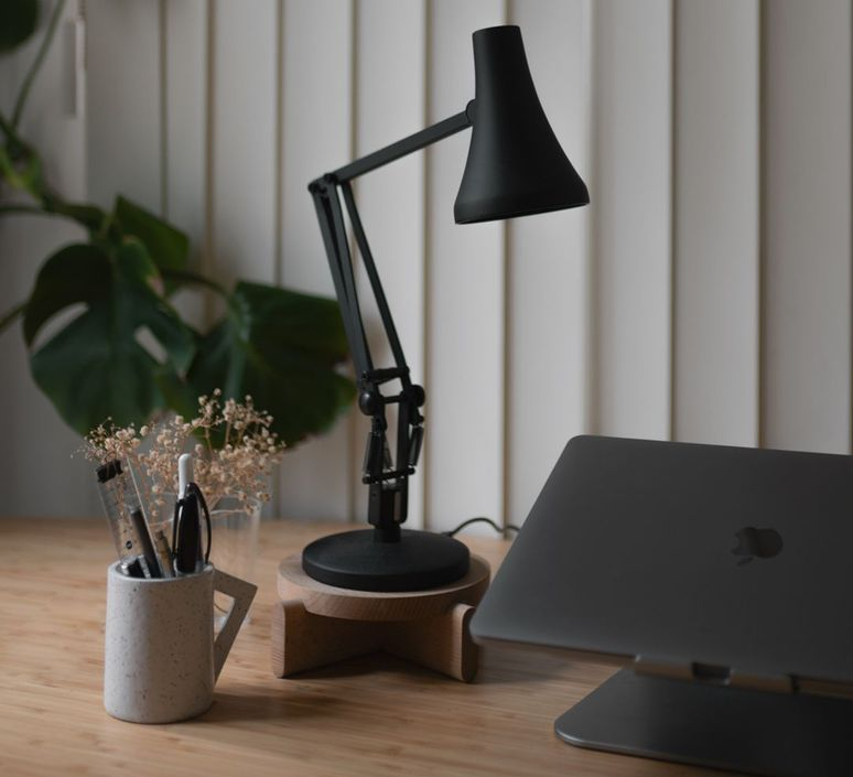 90 mini mini sir kenneth grange lampe de bureau desk lamp  anglepoise 32833  design signed nedgis 78004 product