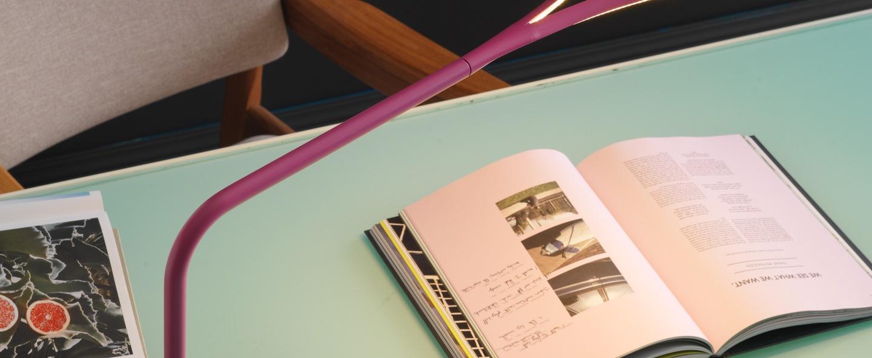 Lampe de bureau kinx led port usb rose h43cm fontana arte normal
