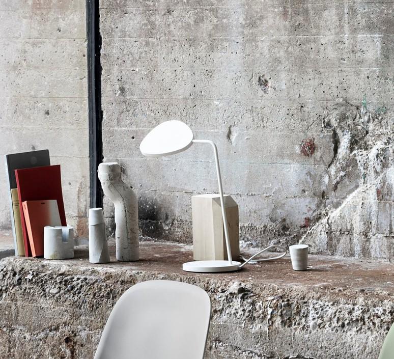 Leaf broberg ridderstrale lampe de bureau desk lamp  muuto 20342  design signed 31507 product