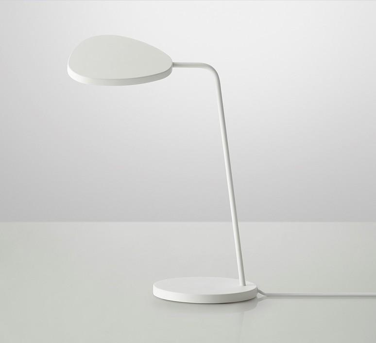 Leaf broberg ridderstrale lampe de bureau desk lamp  muuto 20342  design signed 31512 product