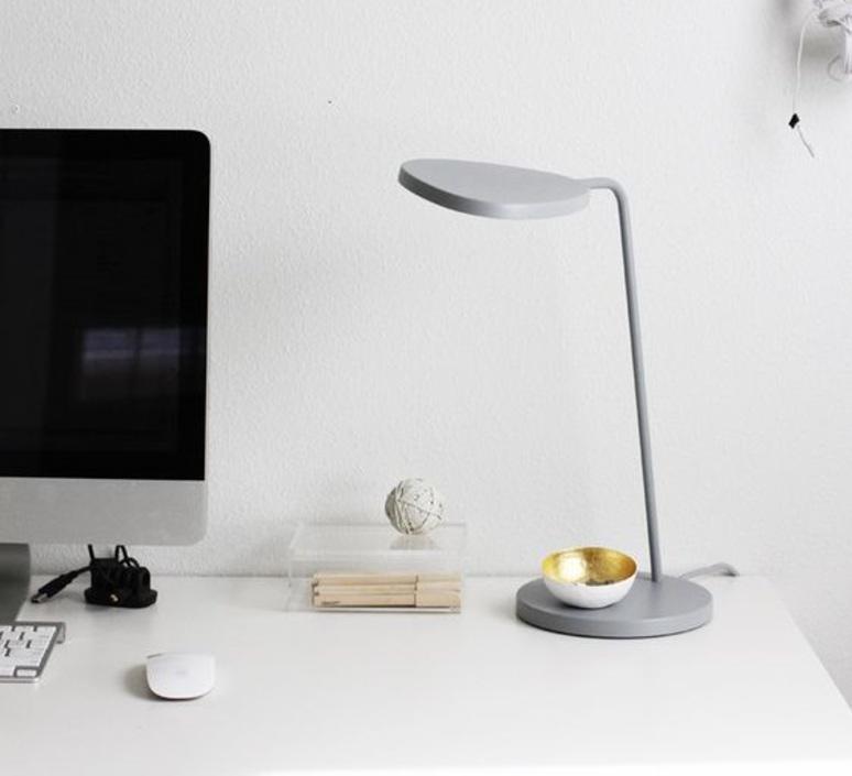 Leaf broberg ridderstrale lampe de bureau desk lamp muuto 20341 design signed 31517 product