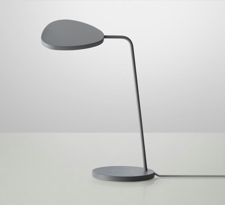 Leaf broberg ridderstrale lampe de bureau desk lamp  muuto 20341  design signed 31518 product