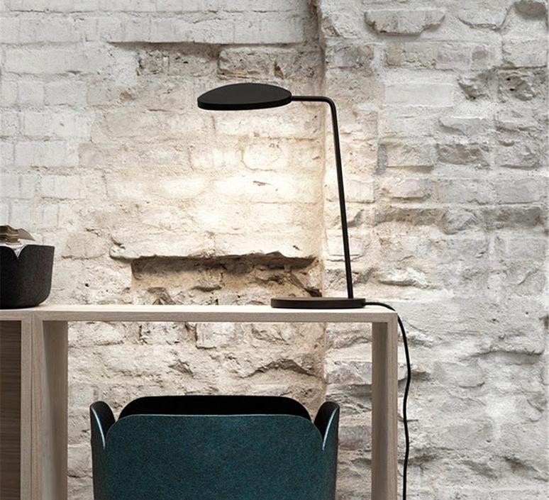Leaf broberg ridderstrale lampe de bureau desk lamp  muuto 20343  design signed 71325 product