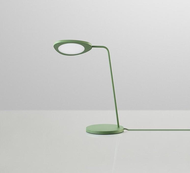 Leaf broberg ridderstrale lampe de bureau desk lamp  muuto 20345  design signed 31510 product
