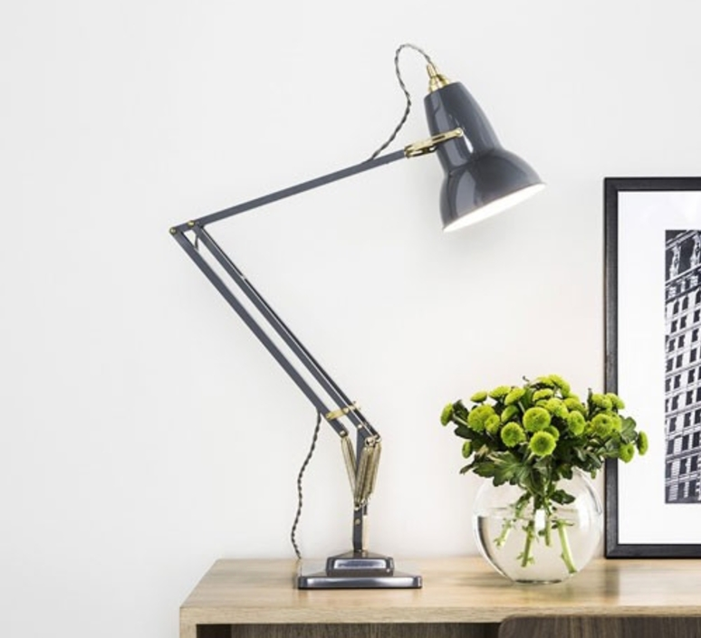 Lampe de bureau original 1227 brass gris clair h60cm - Luminaire industriel la giant collection par anglepoise ...