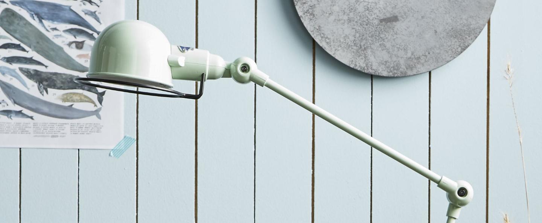 Lampe de bureau signal 2 bras vert d eau o16cm h60cm jielde normal
