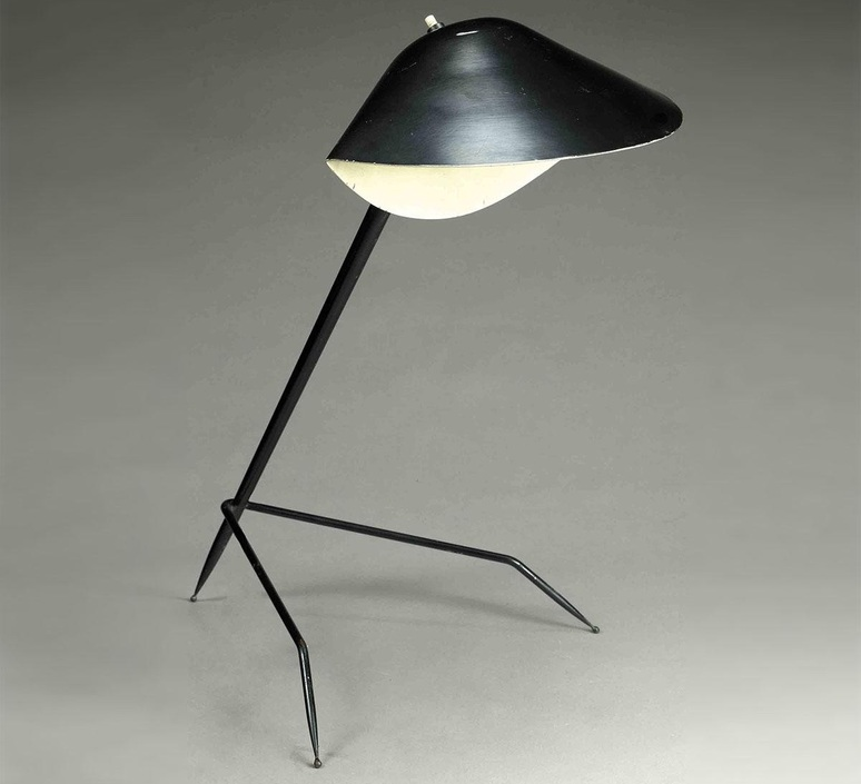 lampe de bureau tripode noir h35cm serge mouille. Black Bedroom Furniture Sets. Home Design Ideas