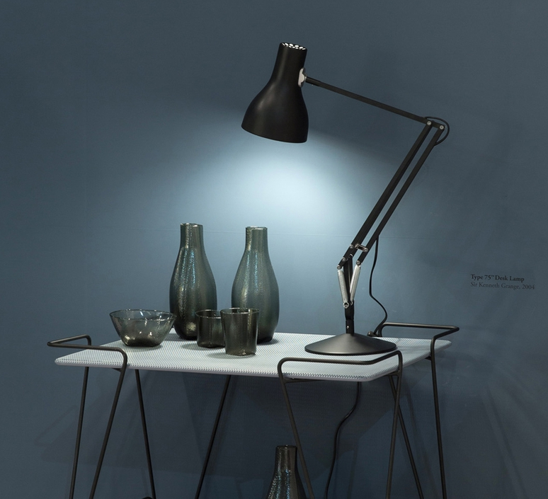 lampe de bureau type 75 noir h57cm anglepoise luminaires nedgis. Black Bedroom Furniture Sets. Home Design Ideas